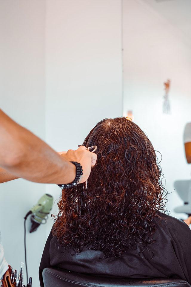 Idealnie dopasowana, modna fryzura