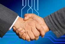 Podpisywarka dokumentów, czyli usprawnienie działania firmy